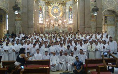Seminaristas em oração e missão na Amazônia