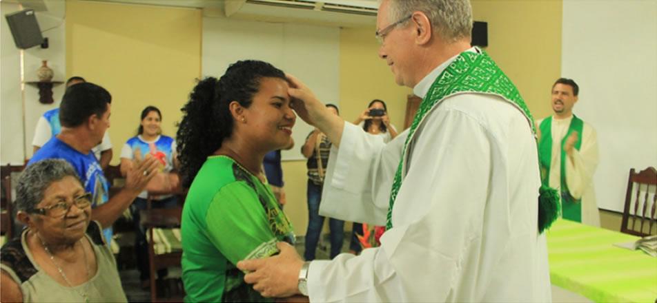 Dom Bernardo Bahlmann preside celebração de envio de missionária ao Haiti
