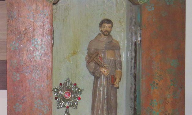 Relíquia de São Francisco visita sede da CNBB em Belém