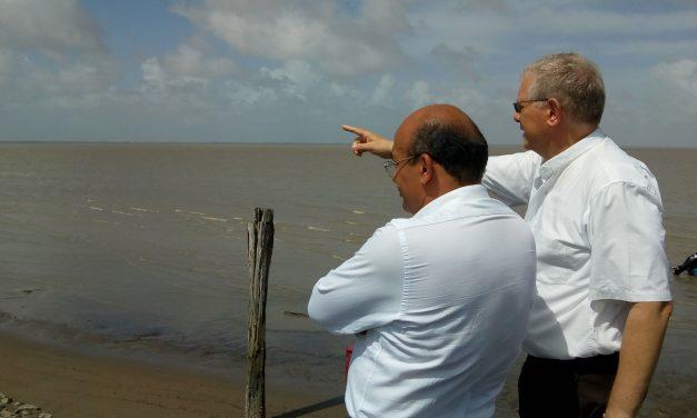COMIRE e Comunidade Obra de Maria visitam Diocese no Suriname