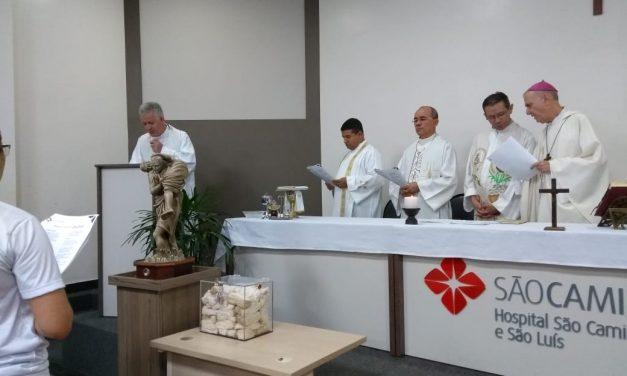 Relíquia de São Camilo peregrina na Diocese de Macapá