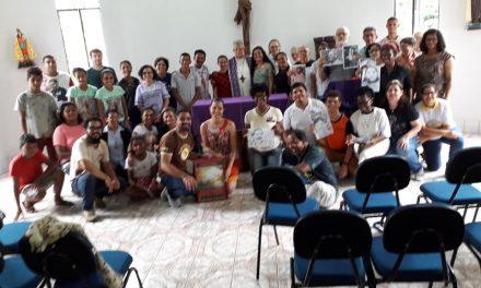 """""""Fermentando a Paz"""" navega pelo Xingu"""