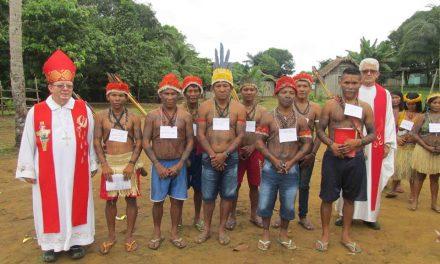 Dom Wilmar Santin celebra com indígenas da Prelazia de Itaituba