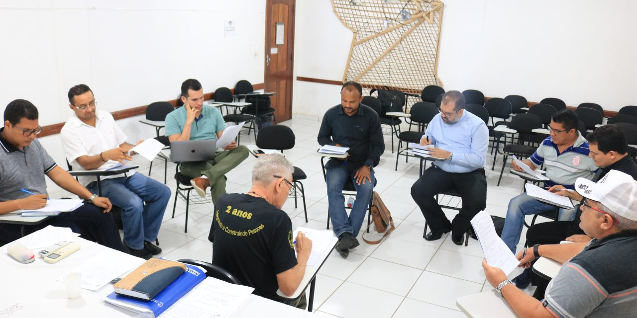 Comissão de Presbíteros em articulação