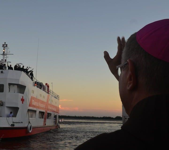 Barco-Hospital Papa Francisco chega na Diocese de Óbidos