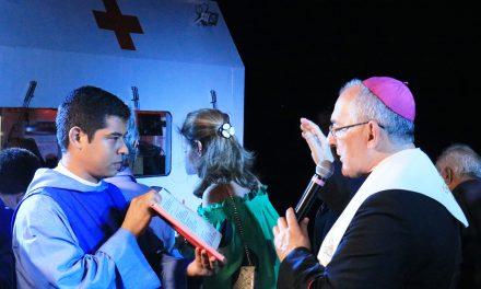 """""""Papa Francisco"""" é abençoado e enviado em missão pelos rios da Amazônia"""