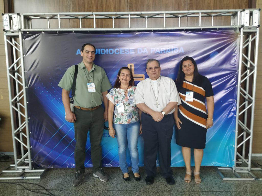Os secretários da CNBB Sul 2, Pe. Valdeci, Nordeste 3, Maria Inês, e Norte 2, Cristiane Araújo, com dom Joel Portella, secretário geral da CNBB