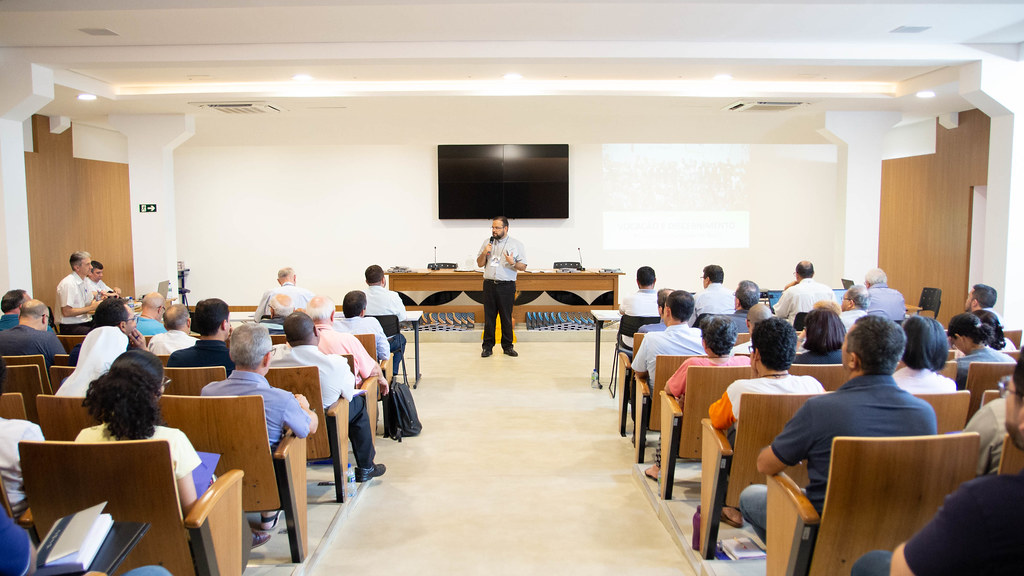 Reunião ampliada da Comissão Episcopal para Ministérios e a Vida Consagrada conta com a representação do Regional Norte 2