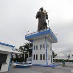 Dom Jesus abençoa nova estátua de São Benedito, em Bragança