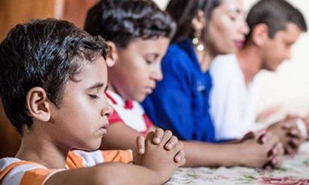 Papa Francisco convida para dia de oração e jejum amanhã, 14/5, para debelar o Coronavírus