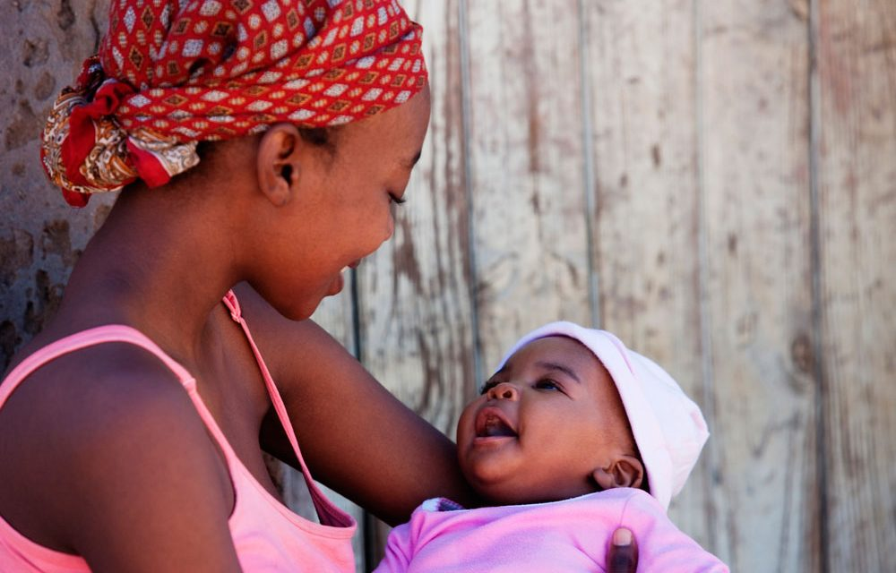 """Bendito é o fruto do teu ventre"": a maternidade é dom de Deus e responsabilidade humana"