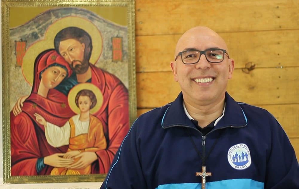 Dom Ricardo Hoepers apresenta reflexão sobre a vocação da família ao serviço