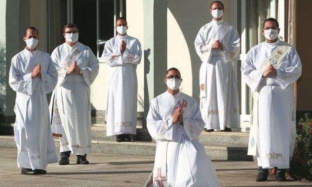 Levantamento aponta 415 padres diocesanos com covid-19 em todo o território brasileiro