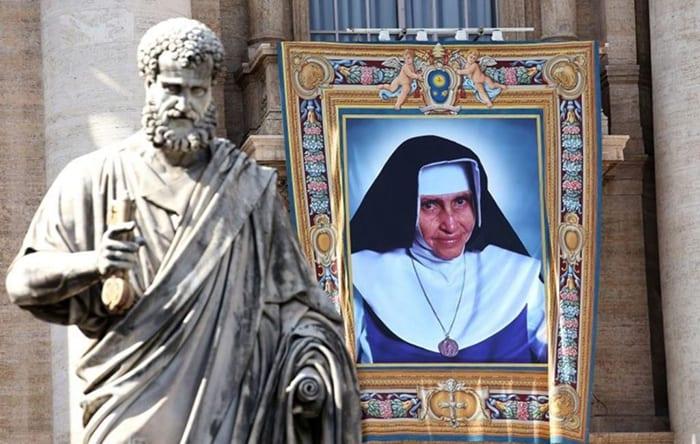 Igreja no mundo celebra, neste 13 de agosto, a festa litúrgica de Santa Dulce dos Pobres