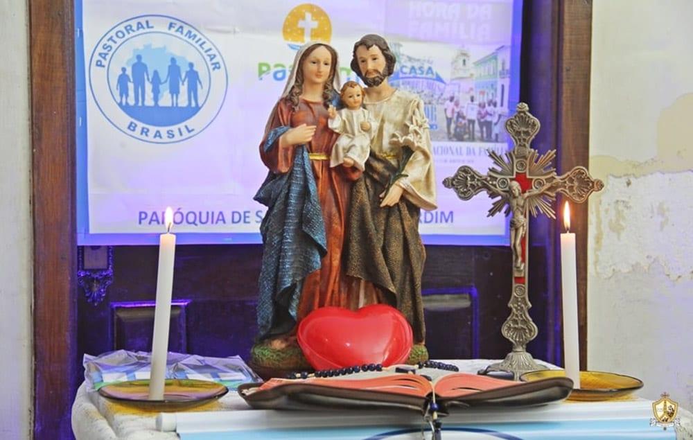No dia de Santa Dulce dos Pobres, Pastoral Familiar propõe Hora Santa da Família
