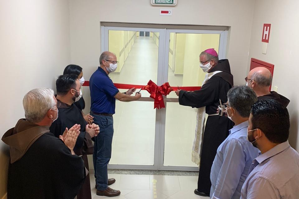 Nova ala é inaugurada em hospital em Juruti/PA, e Dom Bernardo recebe o título de Cidadão Jurutiense
