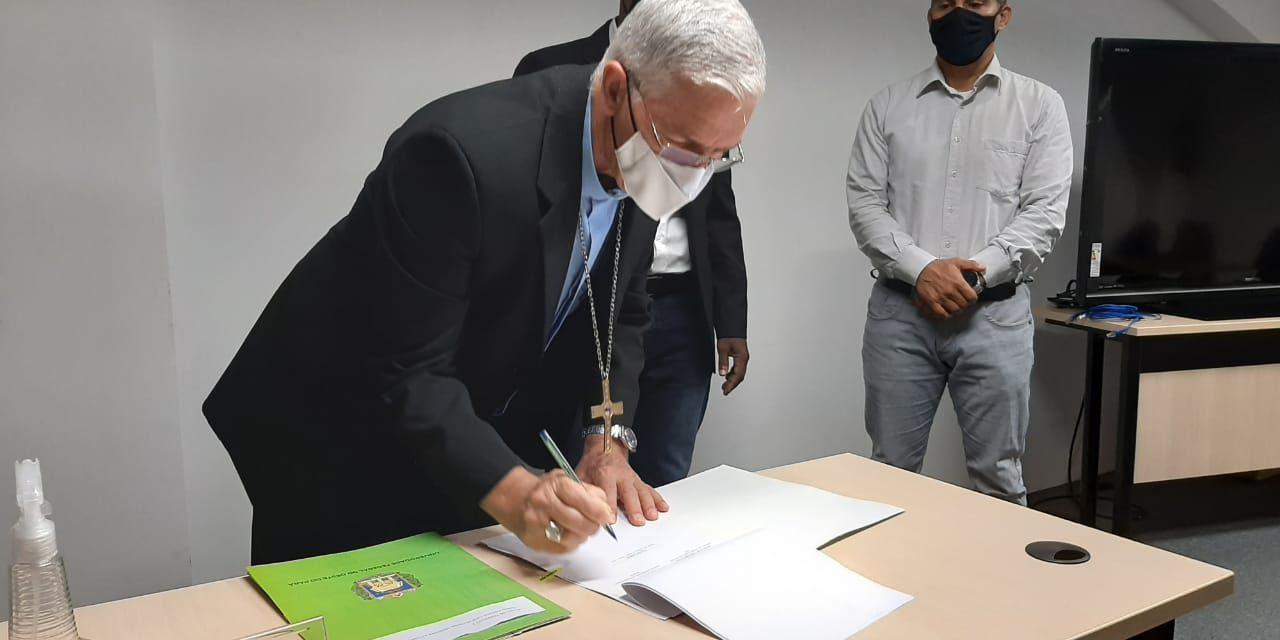 Arquidiocese de Santarém firma convênio com Ufopa para produção de medicamentos fitoterápicos