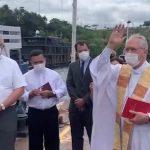 """Dom Leonardo abençoa o barco hospital São João XXIII: """"presença misericordiosa de Deus no meio de nós"""""""